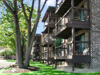 oakridge-manor-apartment-complex