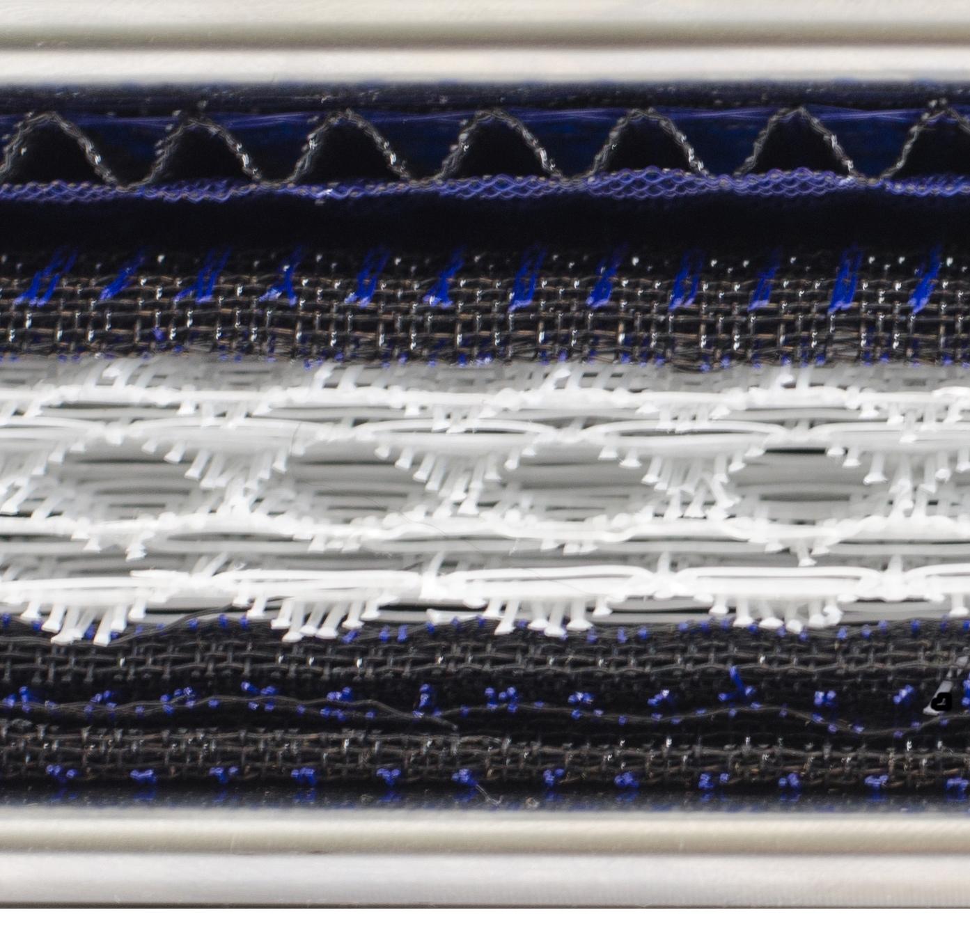 coalescing-filter-inside-media-closeup