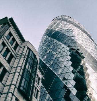 Neo-futuristic Skyscraper vs. London Debris